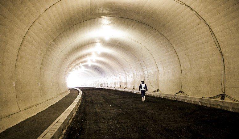 一般国道435号道路改良(楢原トンネル)工事